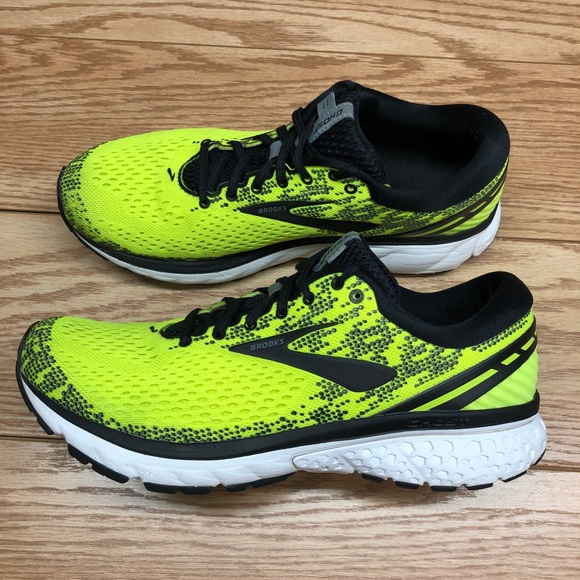 Brooks Mens Ghost 1 Road Running Shoes